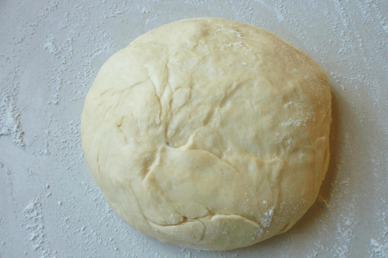 Ciasto przygotowane na pierogi kula 2